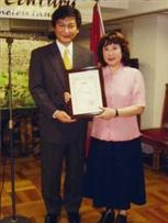 駐日モンゴル臨時大使とGNCスタッフ 矢野明子